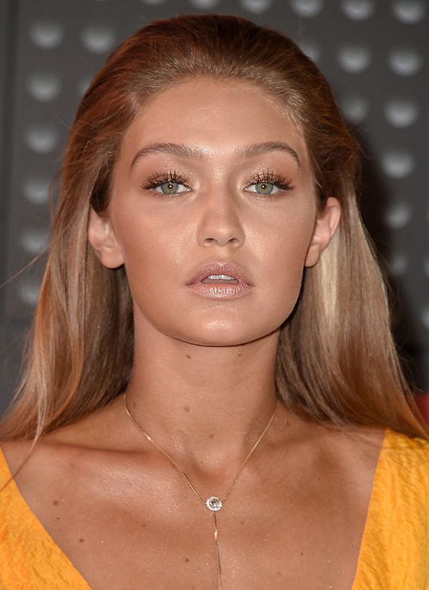 Gigi at the 2015 MTV Video Music Awards